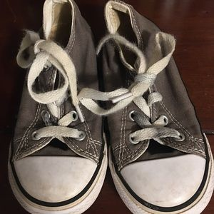 👟 CONVERSE toddler size 9 👟